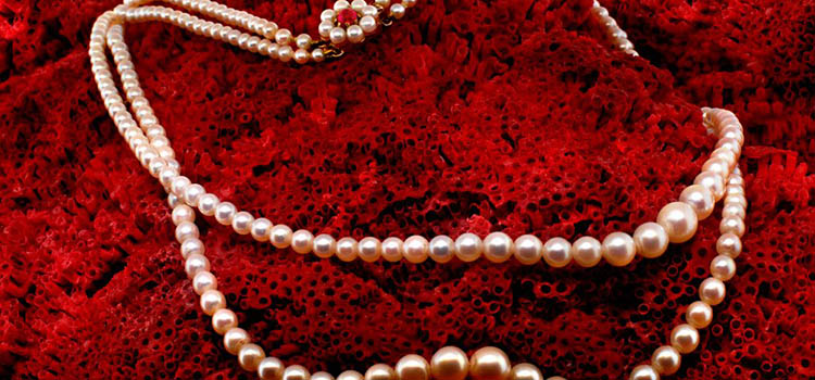 A Magical Glimpse into the History of Cultured Pearl